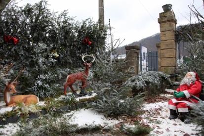 Le Père Noël fait la pause dans les hauteurs revinoises.